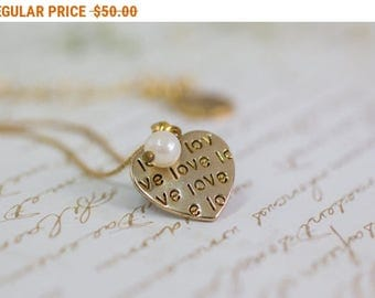 SALE - Gold Heart Necklace, Gold Necklace, Minimal Necklace, Heart charm, Everyday Simple Jewelry, Engraved Necklace, Love Necklace, Gift