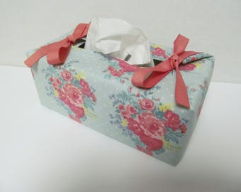 Tissue Box Cover/Pink Flower