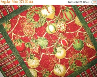 Sale Christmas in July Christmas Table Topper, Ornaments, reversible, quilted  focus fabric from Holiday Flourish and Hoffman