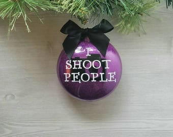 Photographer Gift - I shoot people ornament - Photographer ornament - Personalized Photographer Gift - Camera Ornament