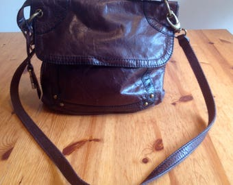 FOSSIL distressed brown leather shoulder bag with fob vintage look