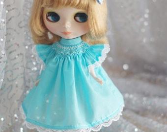 Smocked dress for Blythe, Licca, 1/6 22cm doll