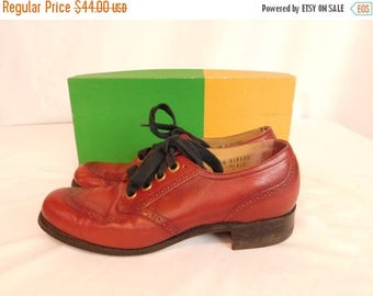 Birthday Sale Vintage Leather Wingtip Spectator Shoes, Women's Size 7