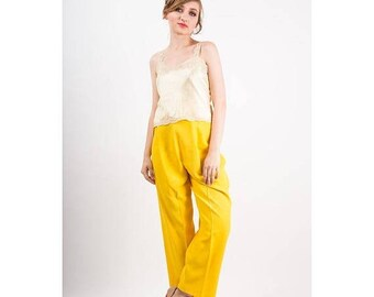 FLASH SALE... 1930s camisole / Vintage pale yellow bias cut silk and lace top / Silk Lingerie / S