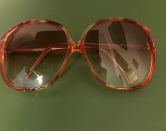 Beautiful Vintage 1980s Tortoiseshell Sunglasses