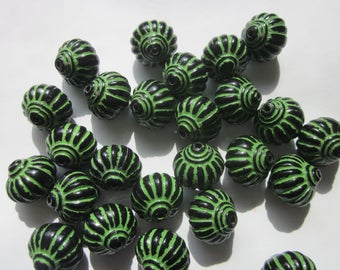 Green and Black Lantern Acrylic Beads 14mm 12 Beads