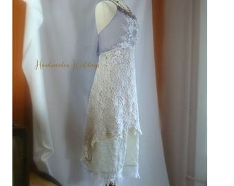 Chloe pale rose lace bohemian wedding dress with open back with lilac mesh with lace appliques. Size small to medium.