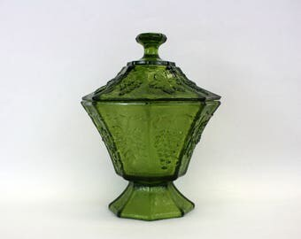 Vintage Avocado Green Pressed Glass Grape Vine Covered Candy Dish (E8816)