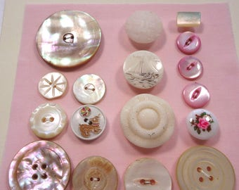 Vintage buttons - Pink and white, pearl, glass and plastic  (Ref BD22)