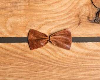 Brown Leather bow tie / rusty brown leather bow tie /wedding bow tie / gift idea for him / leather / groomsmen bow tie / mans bowties