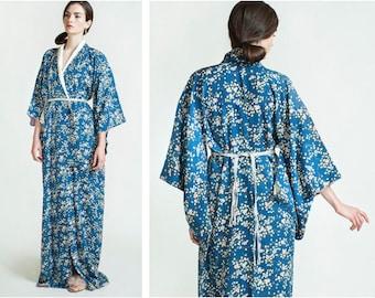 Vintage Floral Print Silk Kimono / Vintage Duster Jacket / Plus Size / Floor Length / Robe Jacket