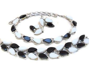 Vintage Black & White Thermoset Necklace, Bracelet, Earrings Demi Parure