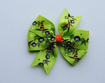 Halloween hair bow, spider ribbon hair bow, girls halloween bow, lime green halloween bow, witch hat hair bow, no slip hair bow, toddler bow