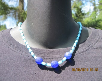 PRETTY Lt. Blue Barrel Cat's Eye & Dark Blue Faceted Satin Bead Strand Necklace.....hand made OOAK...44h