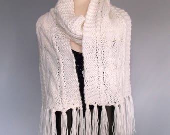Handknitted womens chunky cable scarf