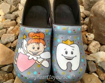 Dental Clogs (Not Dansko)