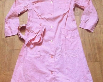 French 1940s Woman Vintage Nurse Uniform Dress - Pink Cotton - Made in France - New & Tag - M/L