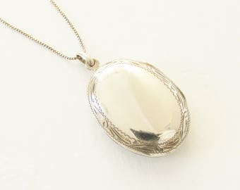 Vintage French Etched Sterling Silver Locket Necklace Hallmarked G.P.