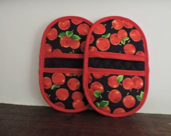 Mini Microwave Mitts-Oven Mitts-Pinchers-Red Apples w/Red Trim-Free Shipping