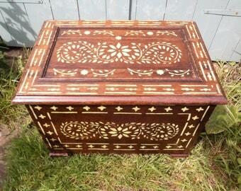 Antique vintage oak log box, large box with stencilling.