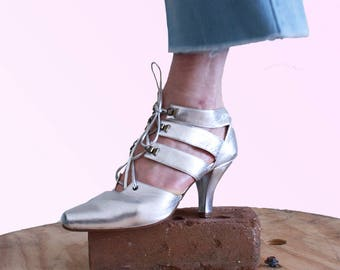 80s Boss Silver Strappy Heel OMG Shoes Womens Size 5 Disco Dolly Glam Diva Vintage VTG