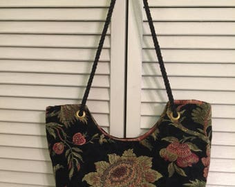Tapestry floral shoulder bag