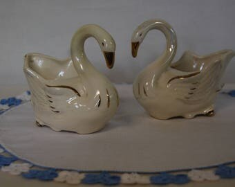 Vintage Pair of Ceramic Swans