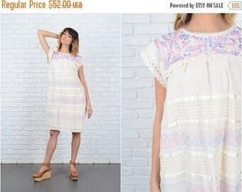 Sale Vintage 70s Cream Crochet Dress Lace Floral Embroidered Shift Medium M 9207