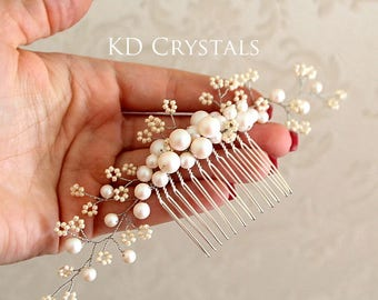 Bridal hair comb with swarovski pearls and seed beads, weding hairstyle, flowers and pearls