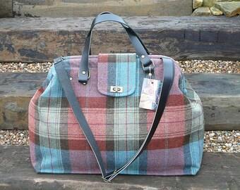 Carpet Bag, Mary Poppins Bag, Weekender Bag, Travel Bag, Luggage, Overnight Bag, Blue Brown Scottish Plaid Tweed bag