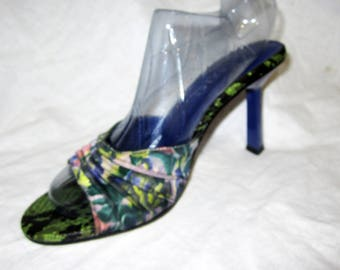 Vntg 80s BAKERS Heels Slides Sz 5 Sandals Pleated Floral Fabric & Embossed Reptile - Skinny Triangle Heel - Excellent