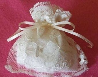 100 Gift Bags Sachets Ivory Wedding Lace 4x4 Party Favor Gift Bags Satin Ties Unlined