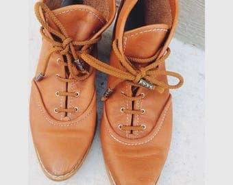 Brown vintage leather lace up ankle boots size 8