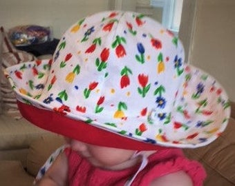 SUNHAT REVERSIBLE BABY Girl Cotton Tulip Floral and Contrasting Red size 2T