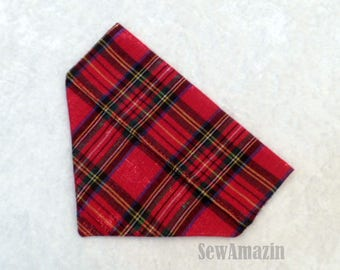Classic Red Tartan Plaid Dog Bandana, Red Plaid Christmas Dog Bandana, XSmall Dog Over-the-Collar Bandana