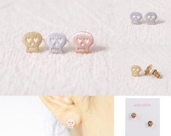 60% OFF Sale SKULL >> rose gold studs << day of dead >> halloween type scary but totes not cuz of those cute heart eyes >> donates to Humane