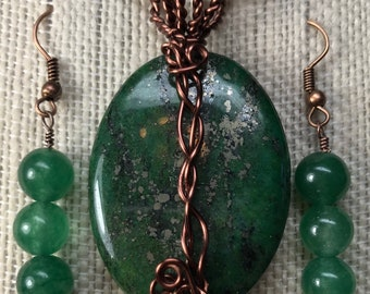 "Antiqued Copper Wire Wrapped Green ""Chained"" Copper Jasper Stone Pendant w/Green Agate Bead Earrings - Gift Boxed."