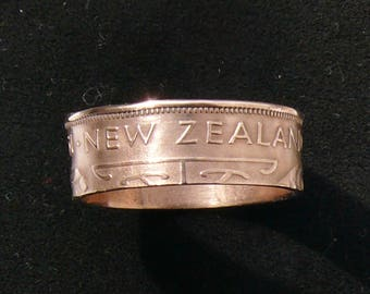 Bronze Coin Ring 1965 New Zealand 1/2 Penny Double Sided and Ring Size 9.