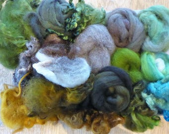 Hope Jacare - Mixed wool pack- custom blended top -  135g hand dyed top and fleece  - MWP11