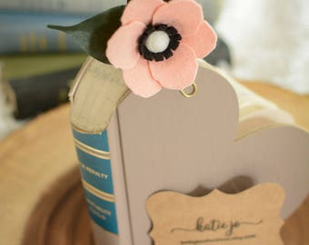 Pink Felt Anemone Flower Planner Clip/ Felt Flower Bookmark/ Planner Clip/ Planner Accessory/ Book Accessory