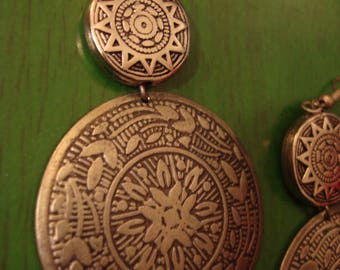 Vintage  Handcrafted Boho Chic Round Southwestern Style Earrings