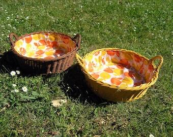 Set of Apple Baskets, 2 Mid Century Plastic Fruit Baskets Graziela apple fabric, Retro 1960s 1970s Craft Baskets, Yellow Brown Basket Set