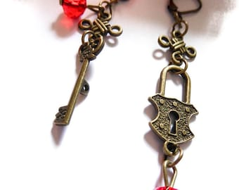 Earrings bronzes Chinese knot Twilight lock and key