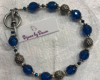 """Bracelet - Royal Blue Glass beads with Pewter accents and toggle clasp, 7.75"""""""