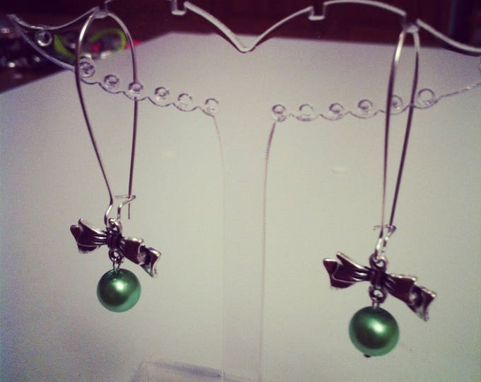 Earrings bows large silvery green ties
