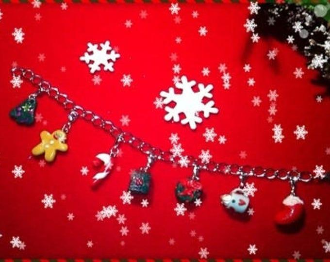 REF 31 Christmas charm bracelet