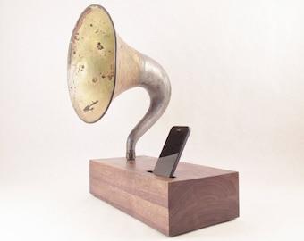 Acoustic Speaker, iPhone Speaker, Magnavox Speaker, Wireless Speaker, iPhone Amplifier, iPhone Amp, iPhone Stand, iPhone Dock, Speaker