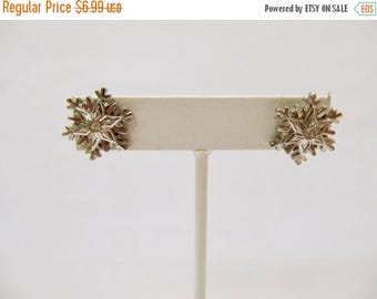 ON SALE Vintage Snowflake Earrings Item K # 2139