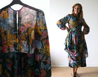 Vintage 1970's Dress, tropical floral pattern printed, long sleeves