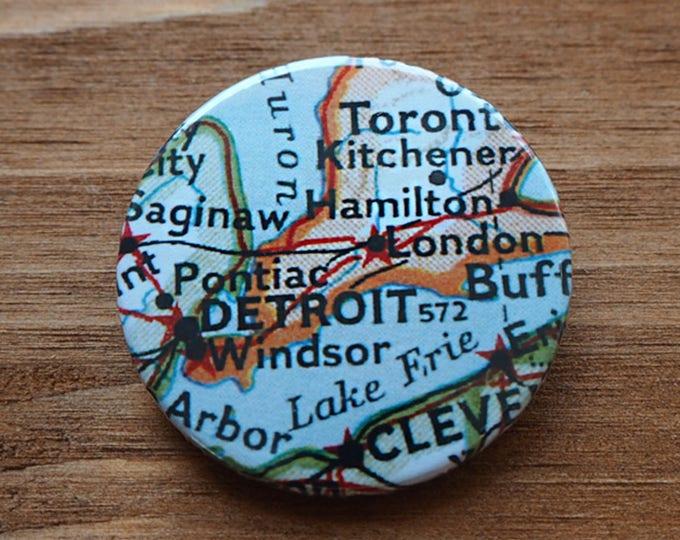 Pinback Button, Detroit, USA, Ø 1.5 Inch Badge, Atlas, Travel, vintage, fun, typography, whimsical